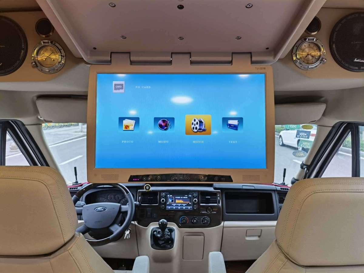 福特 新世代全顺  2021款 2.2T手动厢式货车Pro短轴3座低顶国VI图片