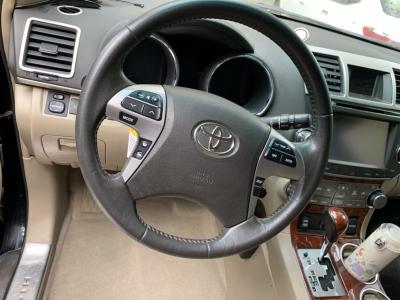 2013年3月 丰田 汉兰达 2.7L 两驱7座至尊版图片